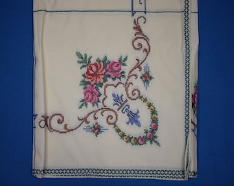 Cross-stitch tablecloth and napkins