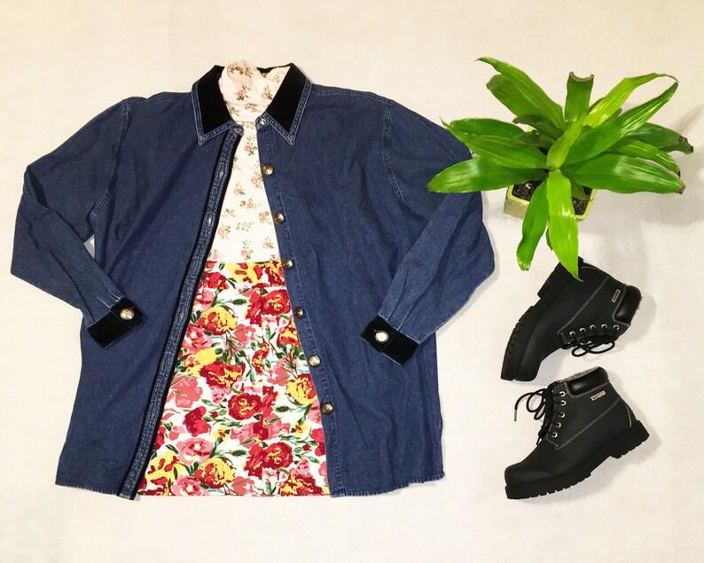 Vintage Jean Shirt  Oversized Jean Jacket  Western Shirt  Womens Size Medium  Velvet Collar  Westbound  Brand New  Button-Up