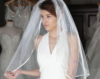 Elegant & Simple Veil With Satin Edge