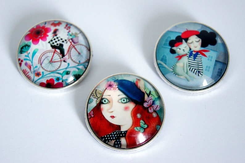 Brooch round personalized small French model choice image 0