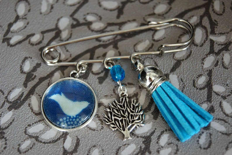 BroochBird colours of your choice Blue