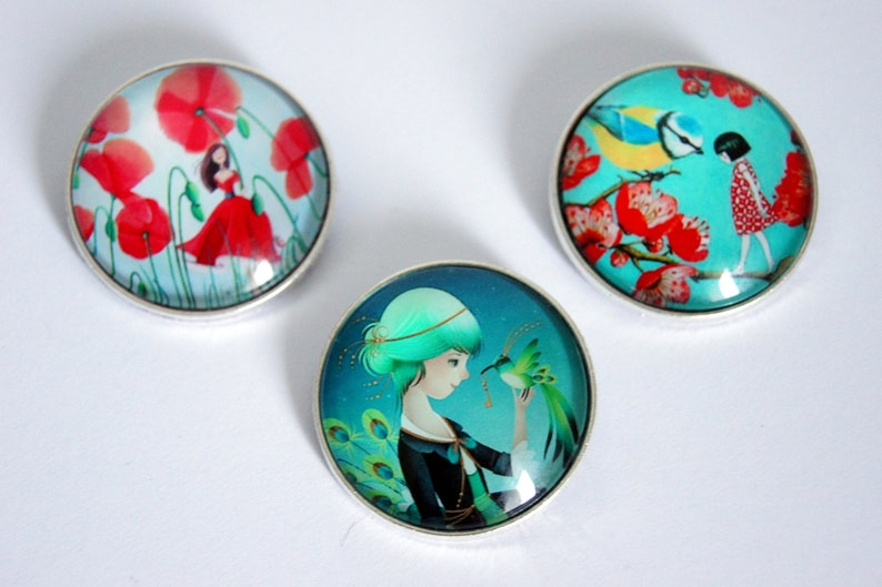 Brooch round personalized in nature pattern choice image 0