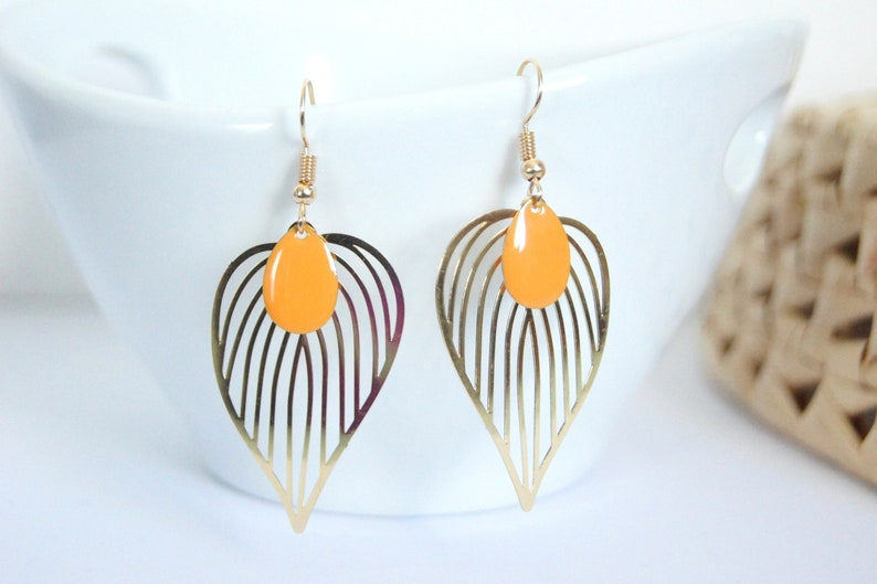 Dangling earringsMinimalist style of choice CLEMENTINE