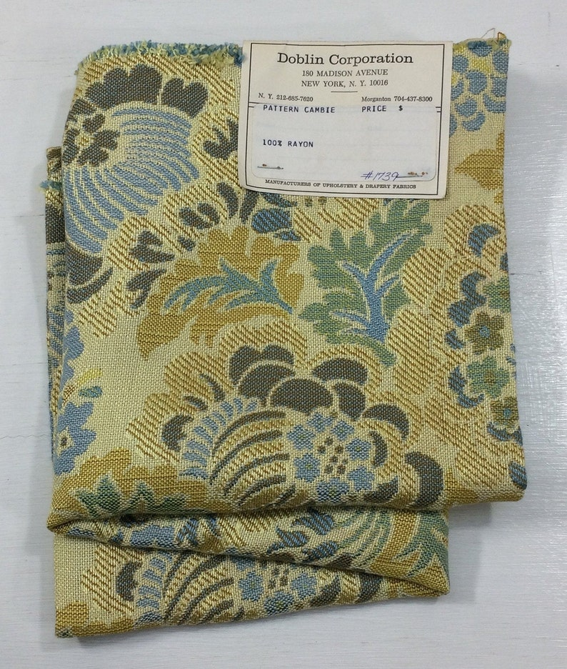 CAMBIE Mod Floral Pillow Fabric Woven Rayon Hand Bag Cloth Fashion Craft Wall Art Design Reference Material