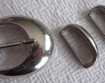 White metal belt buckle and 2 loops 4, 5 * 50 cm