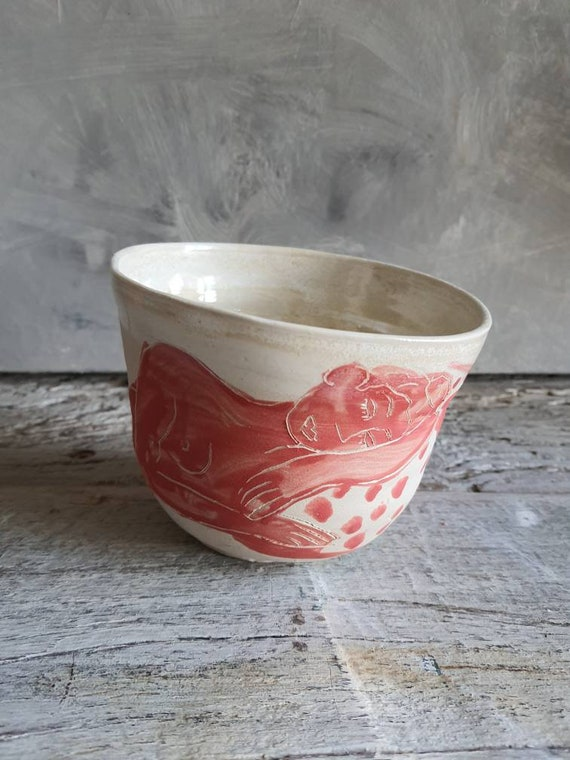 Large craft bowl in pottery drawing of woman model living art red and white large ceramic bowl