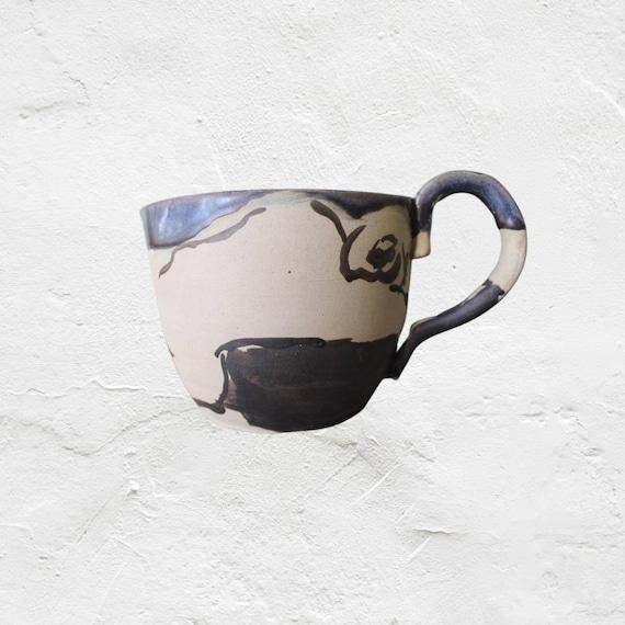 Pichet en poterie artisanale cruche noir et blanc céramique