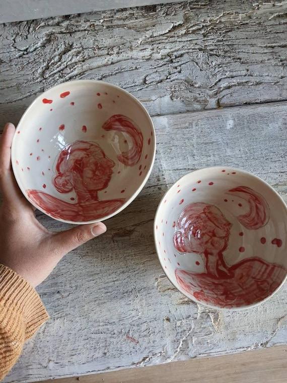 Lot de deux grand bol artisanal en poterie dessin de lune et portrait de femme rouge et blanc grand bol céramique