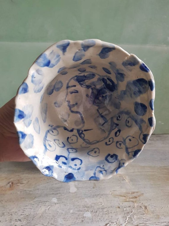 Handcrafted ceramic rice bowl with drawing. Green pottery soup bowl. Bol with portrait of a woman.
