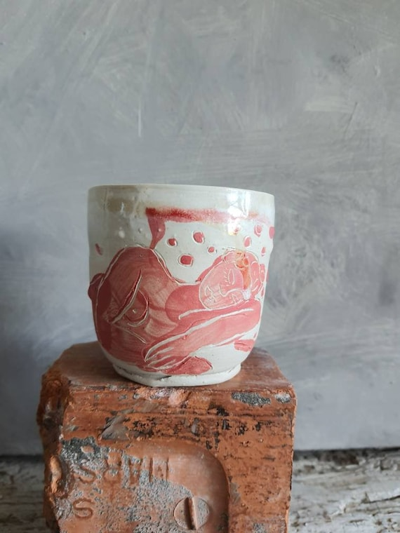 Coffee cup tea pottery craft tour red and white art woman model alive