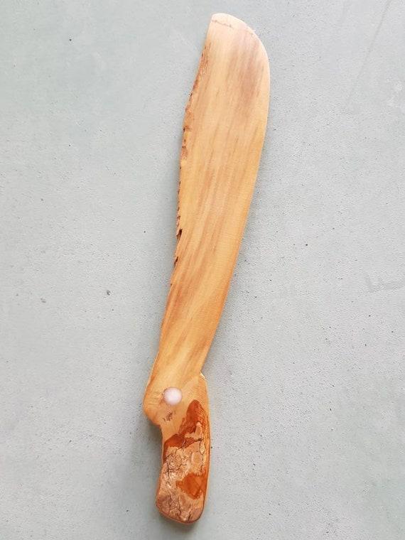 """spatule plate ; tartineur """"l'oiseau"""" en bois réalisé à la main."""