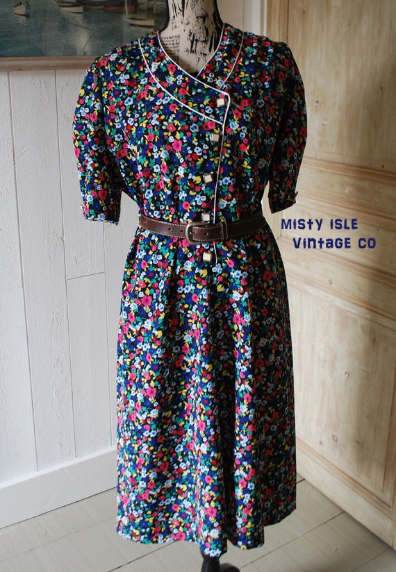 1970's Vintage Floral Tea Dress, SIZE: LARGE, Made