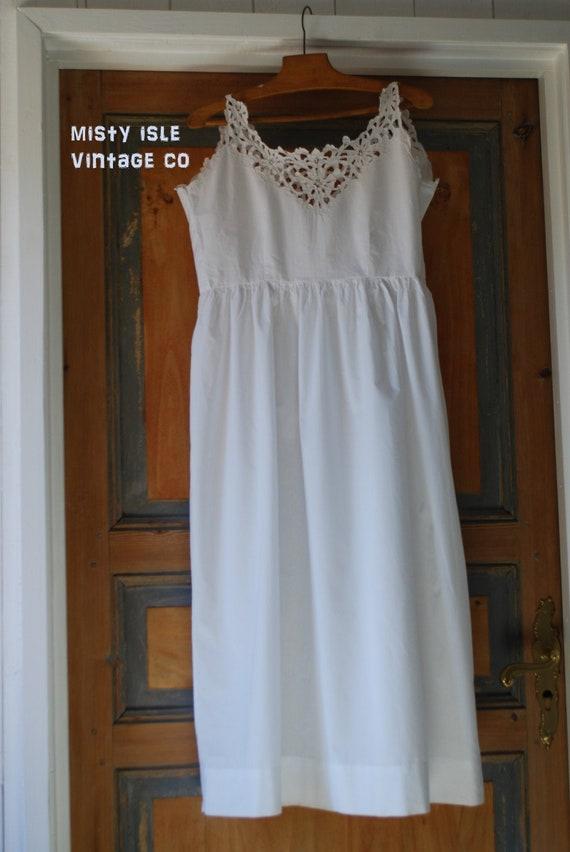 Antique Child's White Dress, Vintage Child Size Dr