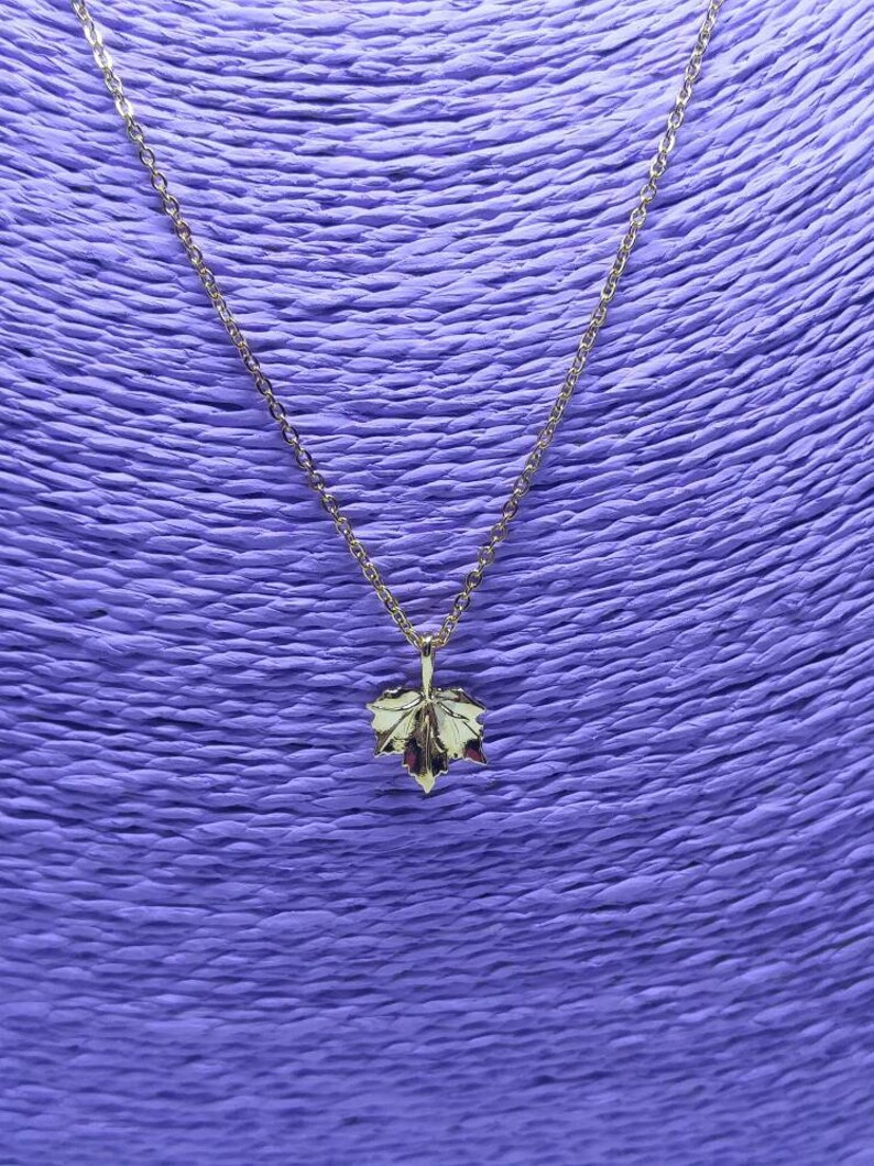 Maple leaf neckless