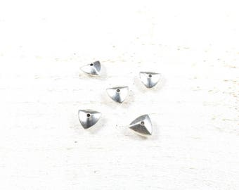 10 pearls metal color triangle silver 9 x 9 x 4mm