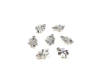 10 charms in antique silver tone metal 4 leaf clovers around 15.5 x 10mm