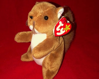 788b6e388af 1996 Ty Beanie Baby Nuts the Squirrel Syle 4114
