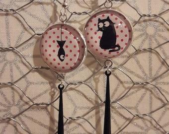 Dangling earrings, cat and fish pattern