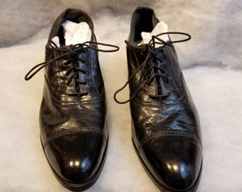4a1a34ca358 Antique Edwardian Victorian Era 20s Art Deco Black Leather Lace Up Chunky  Cuban Heel Ladies Oxfords Shoes historical costume