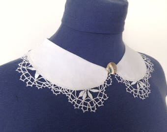 Adjustable detachable collar trimmed with bobbin lace, detachable collar, petter pan collar, Peter Pan collar, lace collar