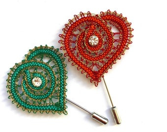 Lace heart brooch with spindles, heart-shaped textile brooch, heart fibula, brooch with Swarovski crystal, textile crafts
