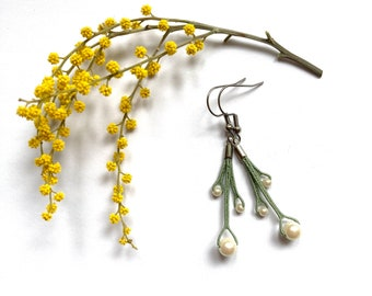 Lace and pearl-inspired dying earrings, nature-inspired earrings, minimalist earrings