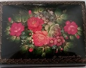 Russian Lacquer hinged box with floral folk design, handpainted signed by artist, sized nicely for jewelry or dresser trinkets