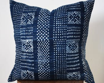 """20"""" x 20"""" Navy and White Tribal Indigo Mud Cloth Pillow Cover"""