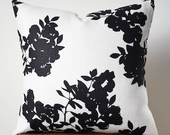 """18"""" x 18"""" Black and White Flower Print Pillow Cover"""