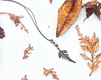 The Rustic Leaf / [LIMITED EDITION] / Tourmalinated Quartz / Copper-plated / Long Gemstone Necklace / Fall Jewelry