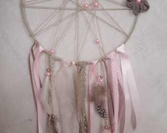 Catches dream pink and taupe