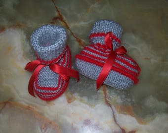 light gray baby booties red stripes