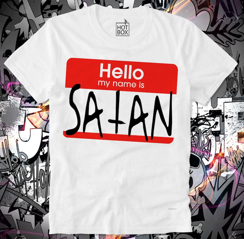 054cee1803806 T Shirt HOTBOX Hello My Name is Satan Fun Funny Name Tag Verkäufer Shop  Assistant