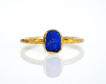 Lapis Lazuli Ring, Small Stacking Gemstone Ring, Gold Hammered Gemstone Ring, Rough Gemstone Ring, Gift For Her, Silver Gold Plated Ring