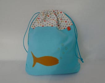 AVAILABLE in lagoon blue and mustard snack bag