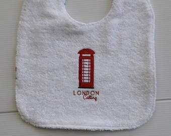 LONDON CALLING IN COTTON AND TERRY BIB