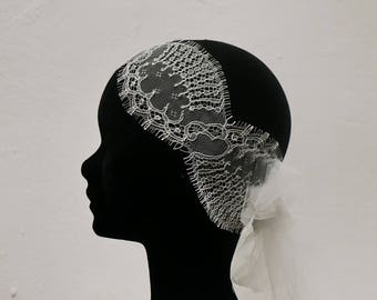 Fine lace and tulle wedding headband