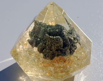Diamond generator of positive vibes Pyrite