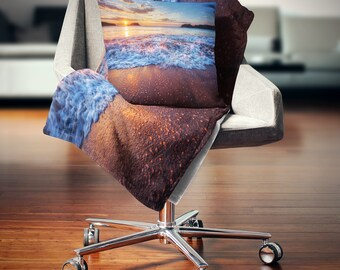 DesignArt Blue Sea Waves during Sunset Seashore Throw Blanket