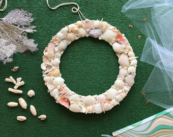 Decorative Wreath, Wreath for door, Wreath made of seashells, Sea style, Wreath with pearls
