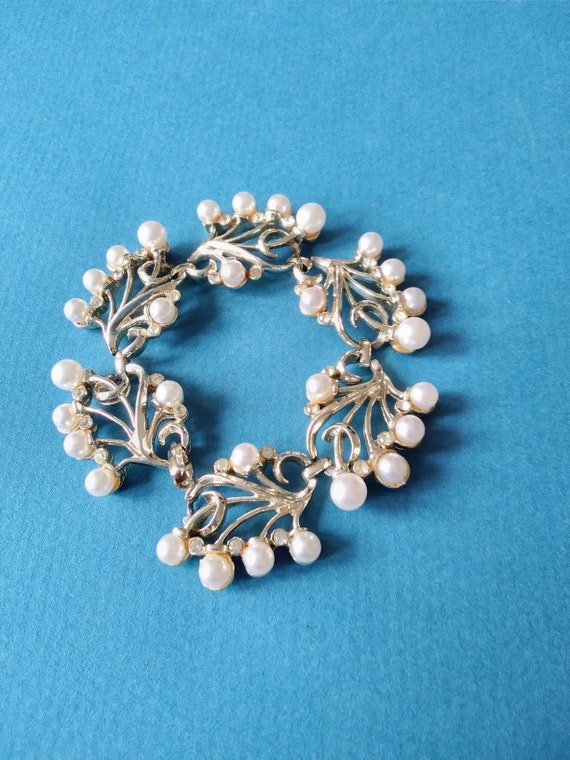 Kramer pearl and rhinestone bracelet c1960