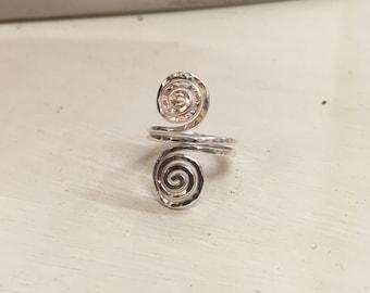 Swirly midi ring