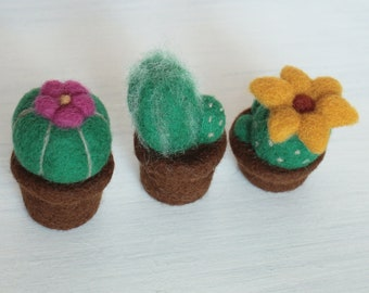 Cactus artificial plants Miniature succulent pincushion Wool garden Mothers day gift Needle felted pincushion Pink flower
