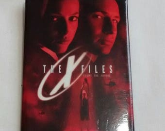 Vintage 1998 X-files Button, Badge, Pin, Mulder, Scully