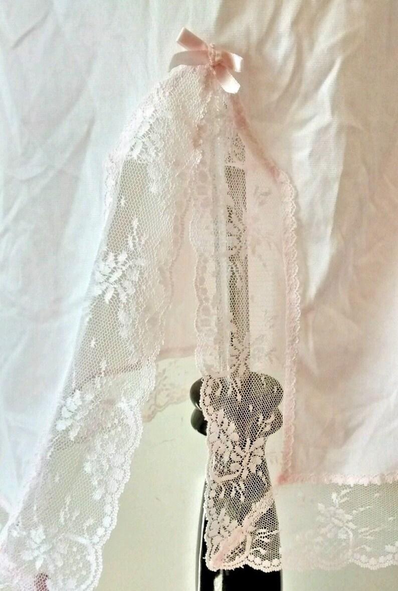 Size Medium Back Slit Lingerie Vintage Pink Nylon and Lace Half Slip Melody