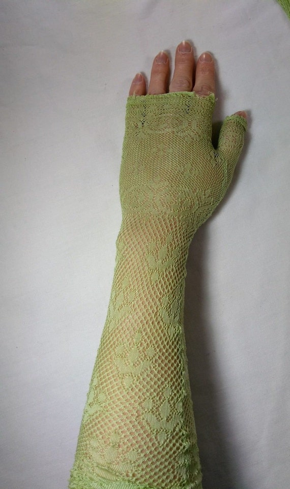 Antique Victorian Edwardian Mittens, Green Lace Fi