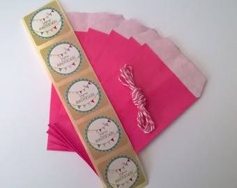 Kit 5 small gifts, 5 sachets, 5 stickers and 1m string, plate gifts, birthday or other party