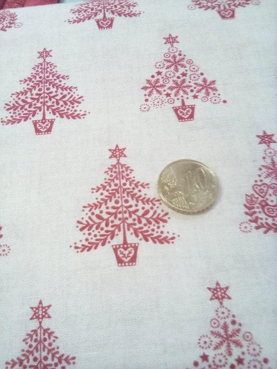 tissu patchwork noel sapin rouge sur fond blanc