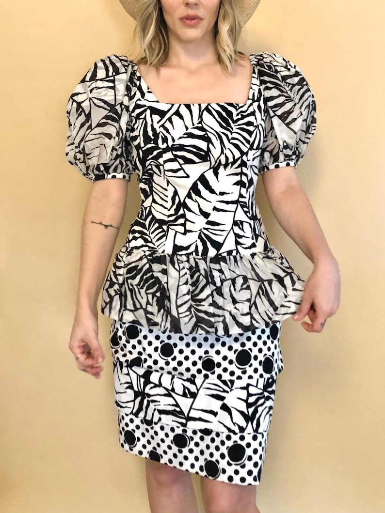 Vintage 80s Bold Pattern Cocktail Dress w Puffy Sleeves Classic 80s Black /& White Puff Sleeve Party Dress