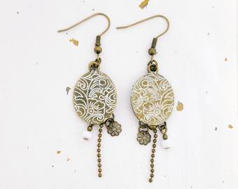 White flowers and white arabesque - bronze oval Sequin earrings